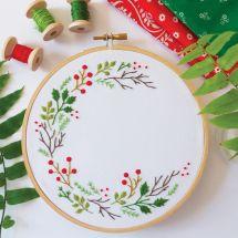 Kit per ricamo a tamburo - Tamar Nahir Yanai - Corona di Natale