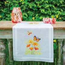 Kit runner da ricamare - Vervaco - Fiori e farfalle arancioni